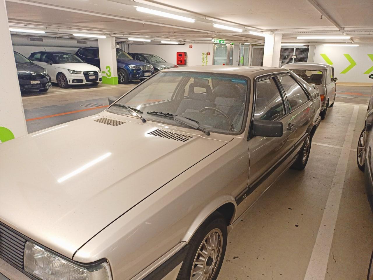 Audi Coupé GT 2.3L.