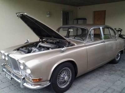 Jaguar 420 Saloon 4 speed