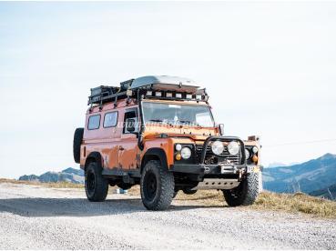 Land Rover Defender 110 Hand